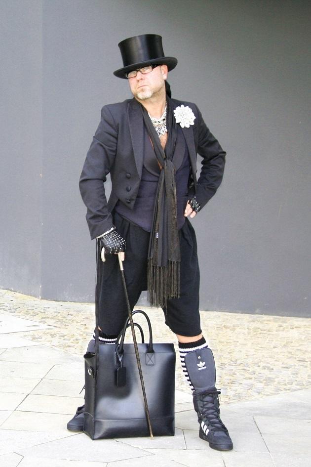 IMG_8328b-c-Gregor-schickaa-Björn-Akstinat-Street-Style-Street-Fashion-Straßenmode-Mode-Blog-Blogger-Berlin-Friedrichshain