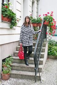 075c-schickaa-Björn-Akstinat-BjoernAkstinat-Straßenmode-Berlin-Alexanderplatz-Mitte-Streetstyle-Street-Style-Streetwear-Street-Fashion-Modeblog-Berlin