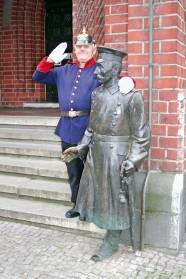 2 x Hauptmann von Köpenick
