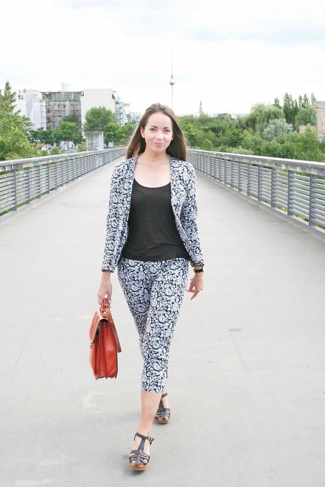 068c-Jessica-Björn-Chris-Akstinat-schickaa-Berlin-Wedding-Prenzlauer-Berg-Bornholmer-Brücke-Street-Fashion-Streetstyle-Mode-Blog-Fashion-Week-Berlin-Germany-Deutschland-Straßenmode