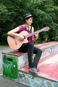075c-schickaa-Sabrina-Björn-Chris-Akstinat-Berlin-Gitarristin-guitarist-Street-Style-Street Fashion-2016