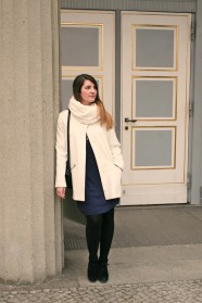 034c-Jasmin-Steglitz-Schlossparktheater-Berlin style blog fashion week Glamour Vogue Pinterest Instagram Elle Mode Blog Instyle fotograf photographer-Copyright schickaa Björn Akstinat 2017