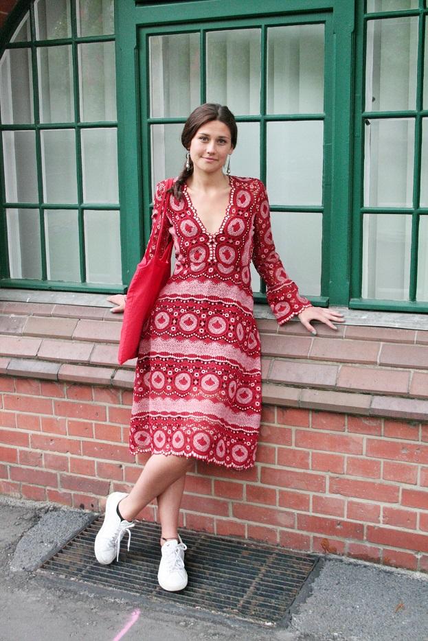 049c-schickaa-Sophia-Fotograf Björn Akstinat-Berlin-Mitte-Street Fashion Wear Style