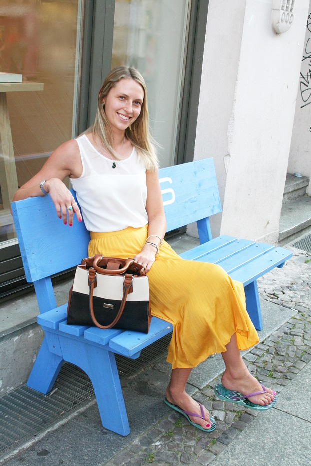 001c-Erin Neue Schönhauser Straße Berlin-Mitte Berlin Street Style Fashion Wear Germany Deutschland German Teacher-Copyright Fotograf Björn Chris Akstinat schickaa