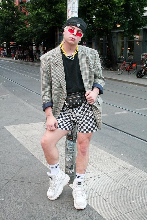155c-Justin Weinbergsweg Rosenthaler Platz Berlin-Mitte Berliner Straßenmode Berlin Street Style Fashion Stil Mode Blog - Copyright Fotograf Björn Chris Akstinat schickaa