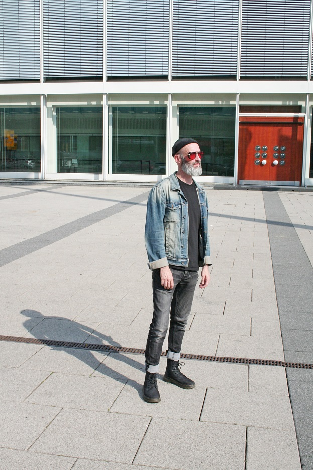 060c-Ian Alexanderplatz bcc Berlin Congress Center Mitte Berlin Street Style Wear Fashion Art Urban-Photographer Copyright Björn Chris Akstinat schickaa
