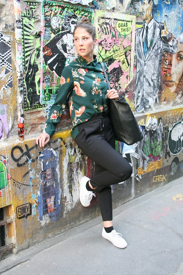 091c-Lea Hackesche Höfe Berlin-Mitte Berlin Street Style Wear Fashion Straßenmode Deutschland-Copyright Fotograf Björn Akstinat schickaa